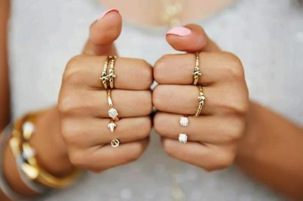 У обручального кольца